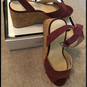New in box Nine West platform sandal
